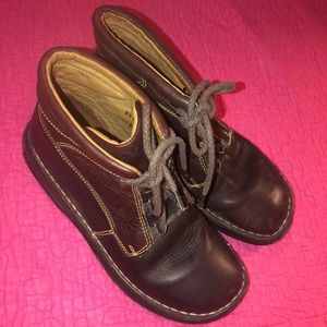 BORN Size 8.5 M/W Leather Brown Boots